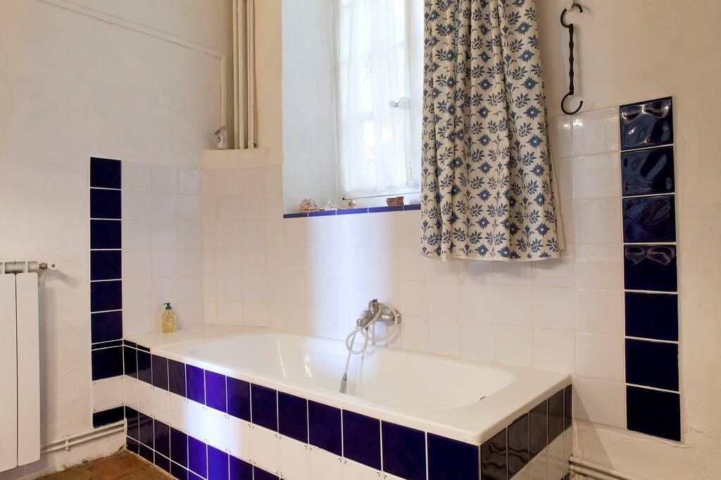 salle de bain chambre Sarah et Alice