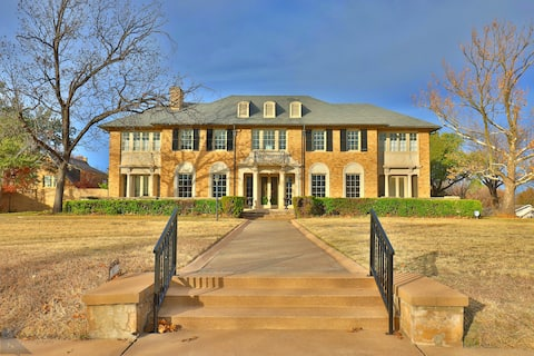 Historic & Luxurious Fulwiler House near Downtown