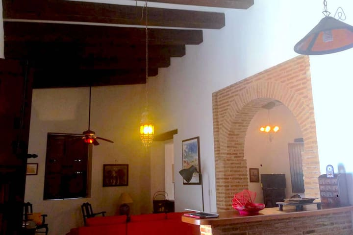 Colonial House in Touristic Zone. - Santo Domingo - House