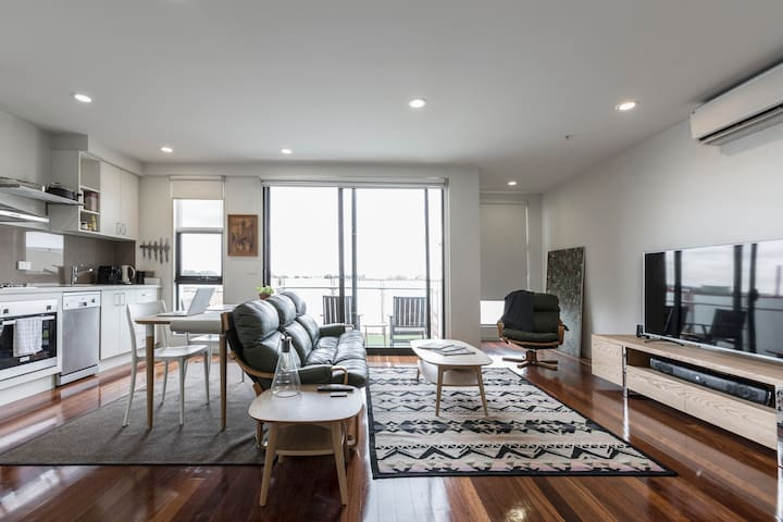 Bright & Big, Business Ready in Buzzing Brunswick - Brunswick - Apartamento