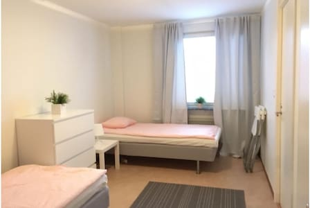 Linköping: Two room apartment for 4-5 people