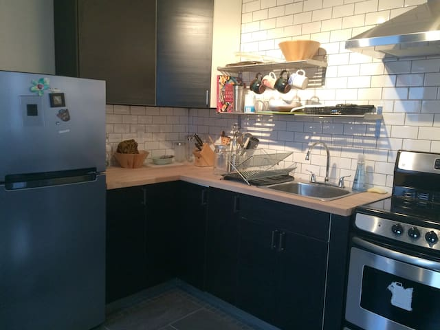 fully renovated kitchen, with tea and coffee