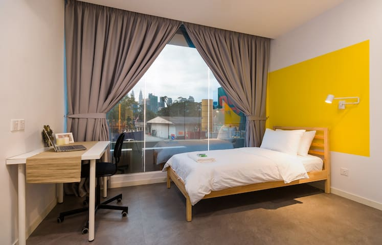 Minimalist Room @ Upstairs Downstairs Coliving KL