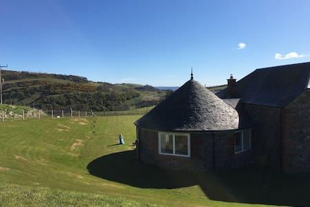Beautiful Barn conversion-Near Golf - Rait