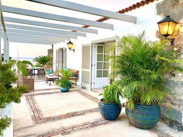 Exclusiva Casa Canaria con Vistas al Mar