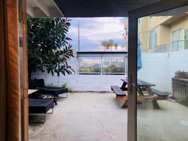 Beach Studio w Private Entrance & Patio