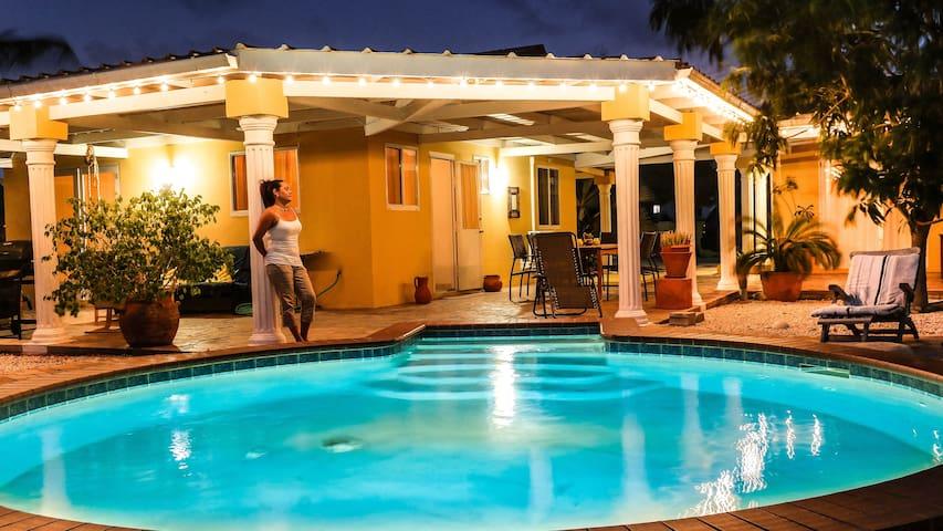 Private Pool, spacious porch