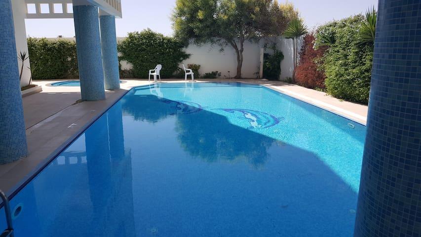appartement avec  piscine et vu sur une mer