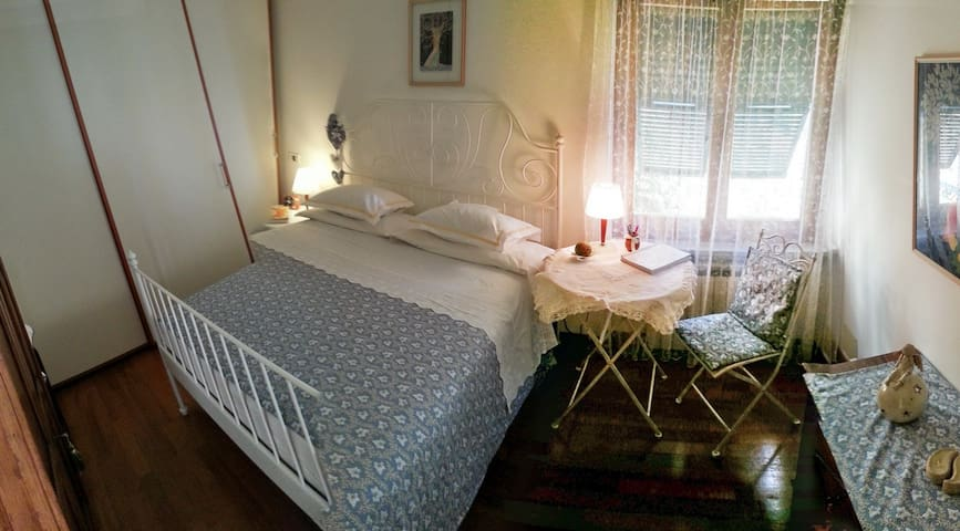 Single-double room in villa on Ligurian sea, Ge. - Pieve Ligure - Hus