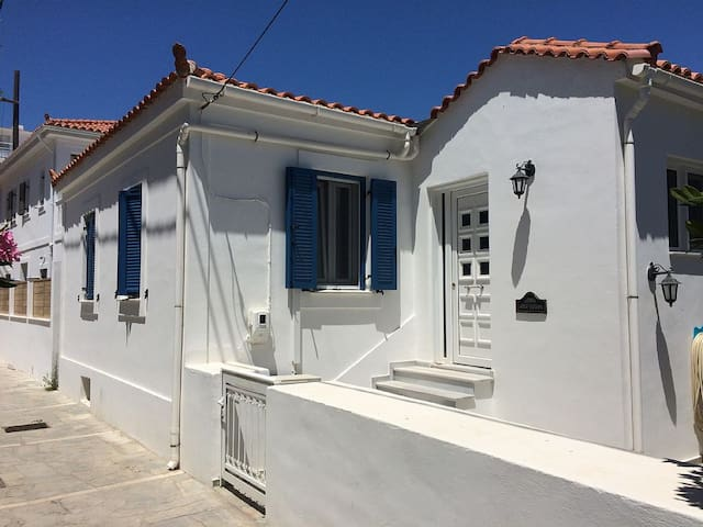 Authentic Greek house, near the beach and tavernas - Kokkari - Dom