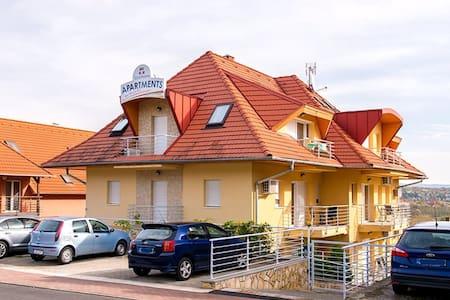 Апартаменты в гостевом доме - Hévíz - Apartment-Hotel