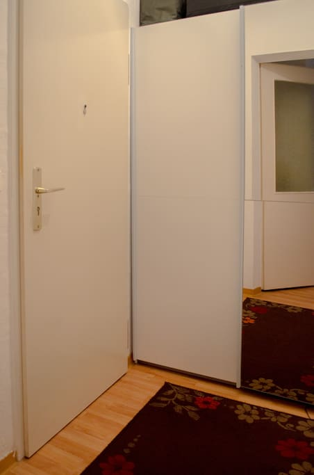 ENTRANCE, CLOSET TO KEEP RIGHT SIDE JACKETS AND SHOES