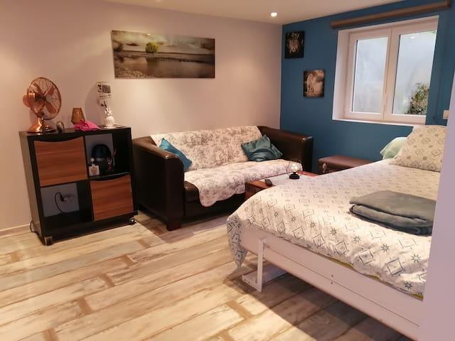 Studio indépendant dans maison individuelle