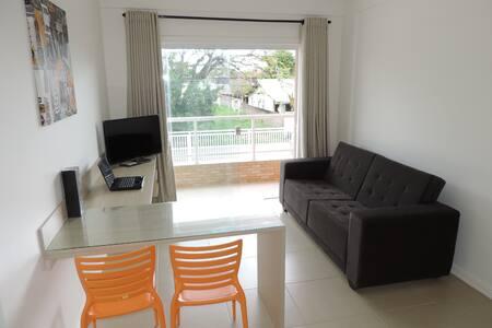 Apartamento Mobiliado 202 Ótima localização - Rio das Ostras