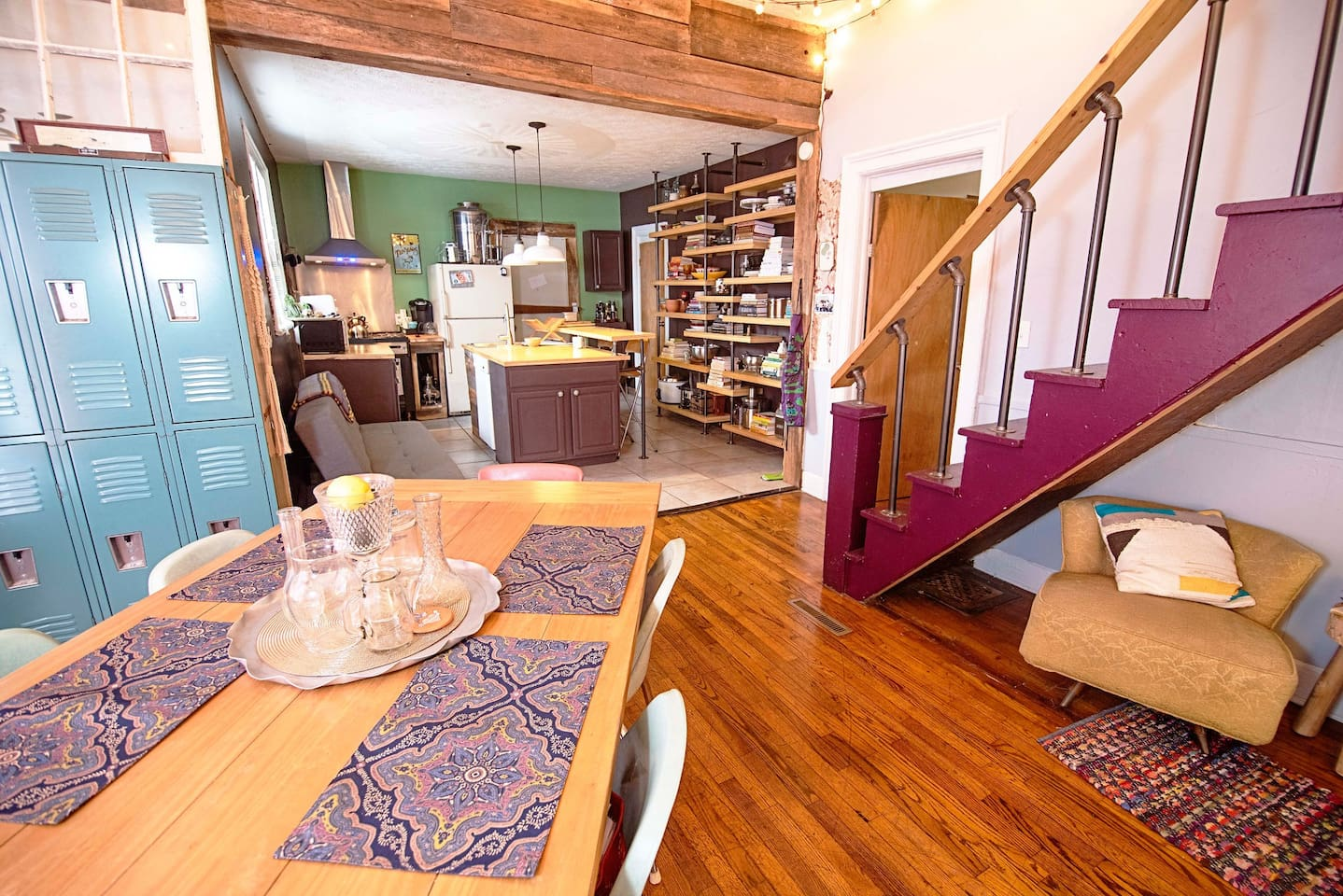 Open floor plan is great for small groups traveling and gathering together.  The kitchen, dining room and living room areas are all open and connected.  Small tea nook under the staircase, two full bathrooms with walk-in showers on the 1st Floor.