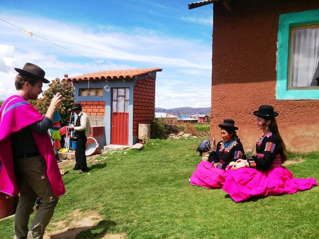 Rural Homestay in the Community of Luquina Chico - Puno - เกสต์เฮาส์