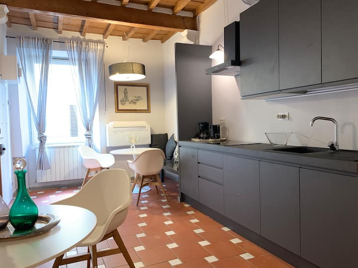 New opening Junior Suite Florence center Accademia