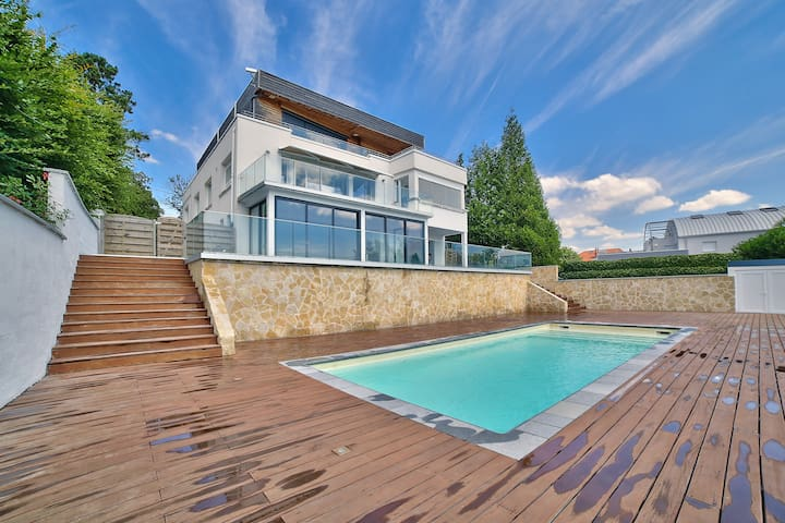 LUXURIOUS & DESIGN VILLA WITH POOL IN NANCY-EVENT