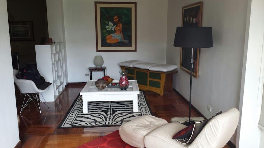 Apartamento amoblado AA y TV - Karakas - Daire