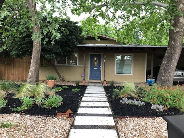Your HOME away from home in South Central Austin!