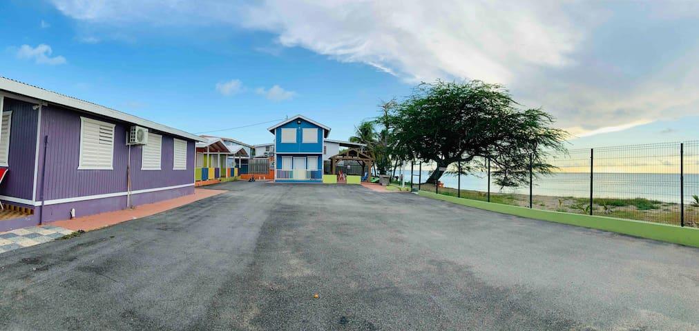 R3 Cabaña equipada con aire  frente a la playa