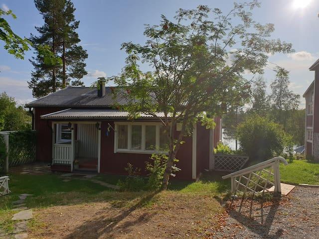 Sjönära stuga i Storuman / Lakeside cabin