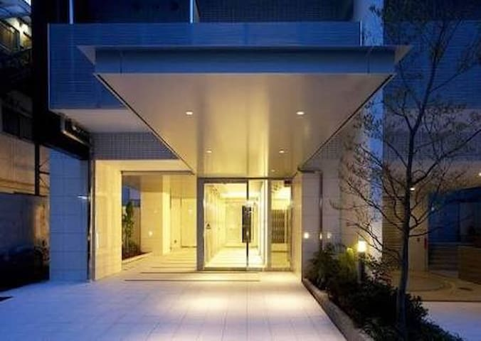 【相部屋】神楽坂の高級アパートメントに泊まれます