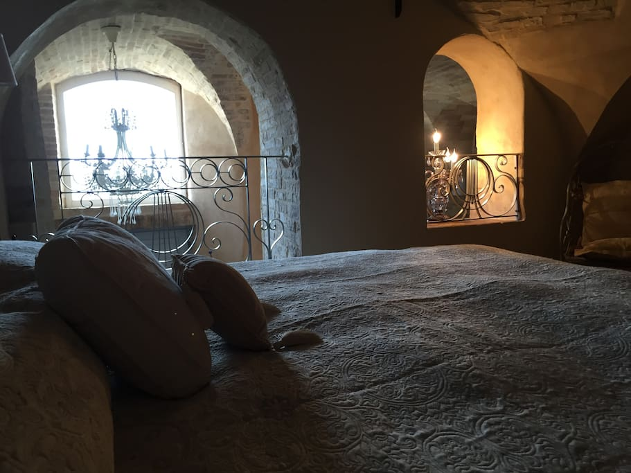 Amazing Bedroom - uniquely positioned in a 15th Century Vault.
