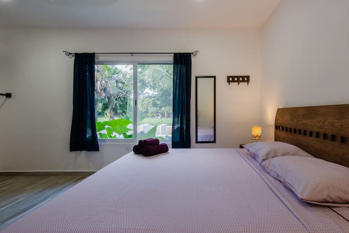 New Studio with swimming pool near golf course and caribbean beach