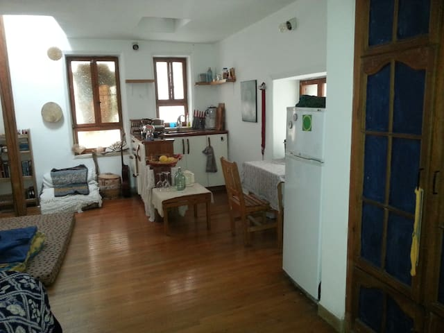 beautiful cozy and romantic room in Ein Kerem