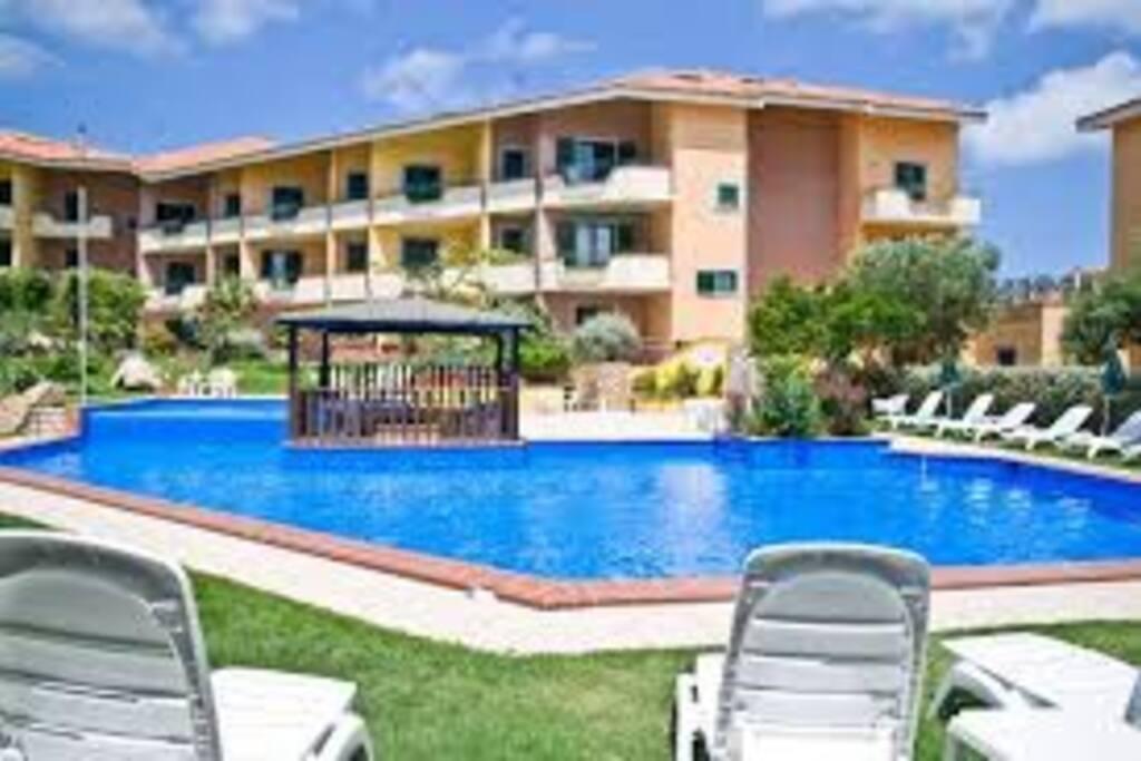 Trilocale vicino al centro e alla spiaggia piscina for Piscina santa teresa albacete
