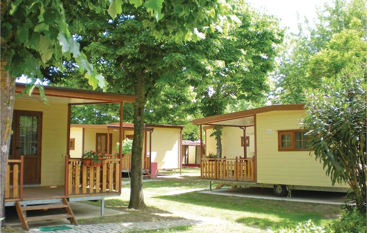 Mobil home with 2 bedrooms on 32 m²