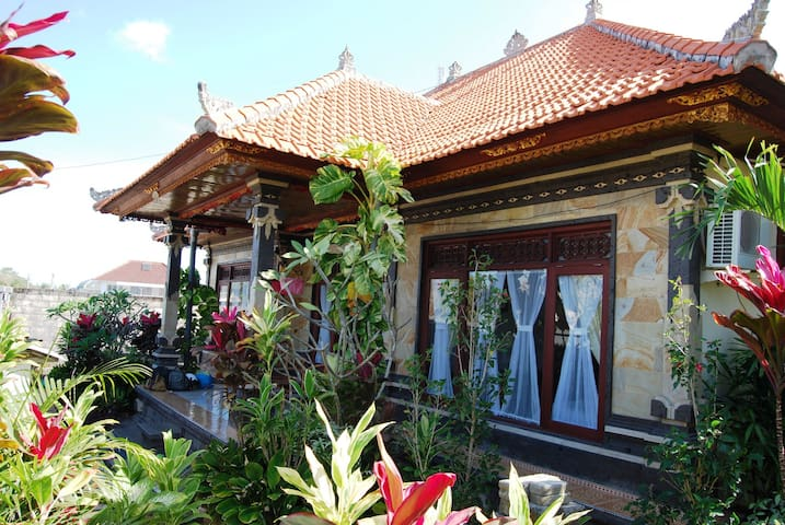 Stunning Beaches Nearby - South Kuta - House