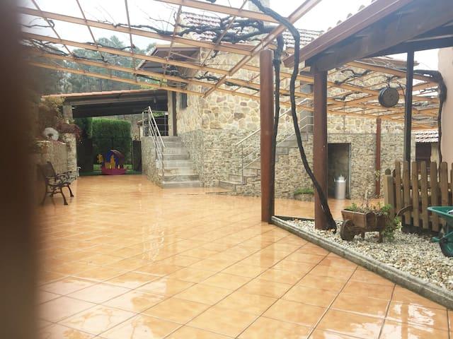 Casa O CARBALLO DA PEDRA