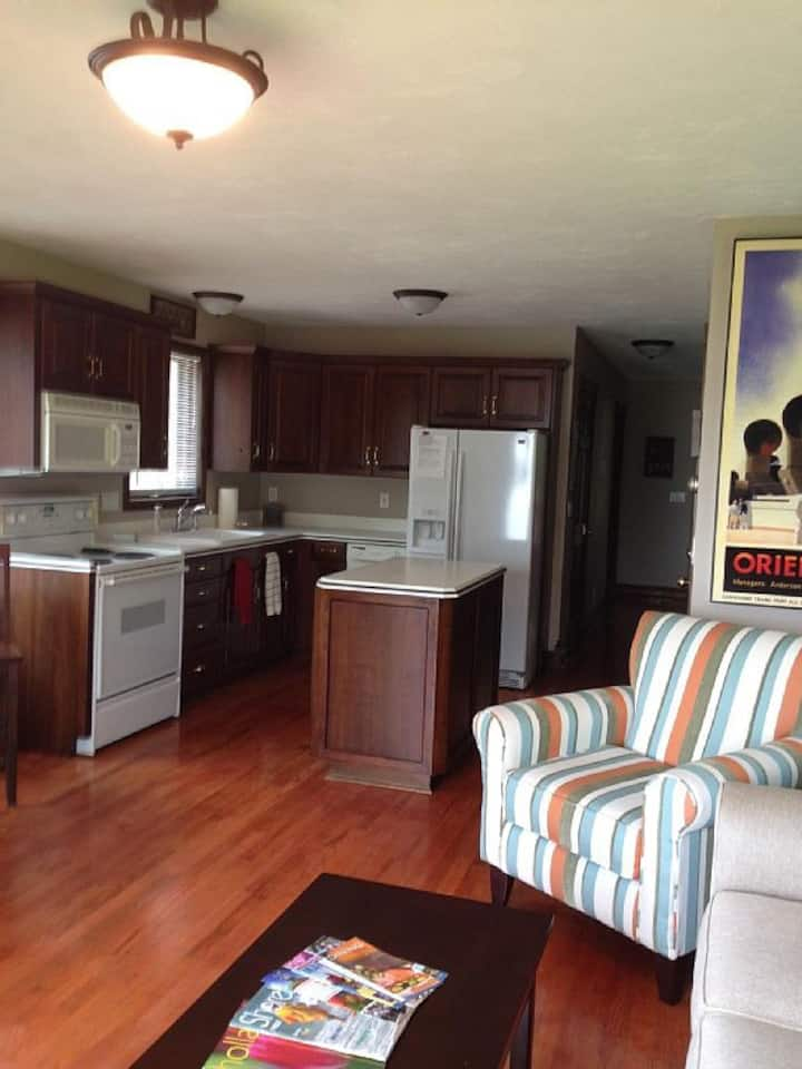 Apartment with Private entrance on Lake Macatawa