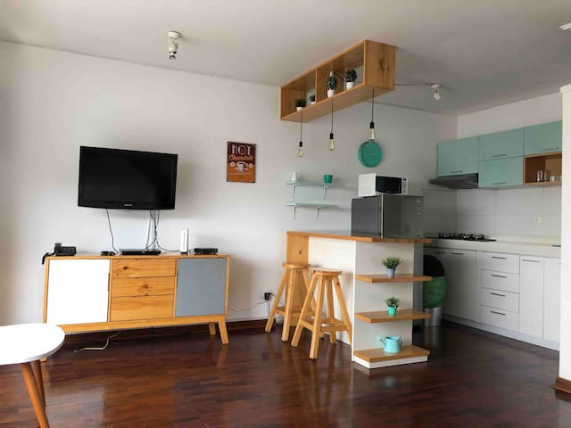 1204: Modern Studio in Central Miraflores