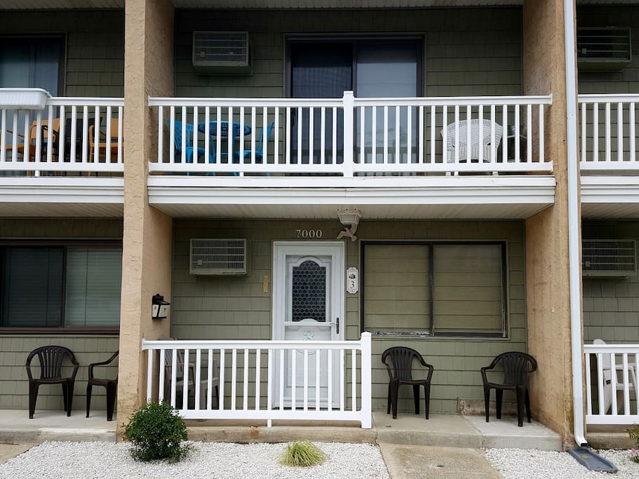 7000 New Jersery Ave.  Townhouse style Condo with Balcony