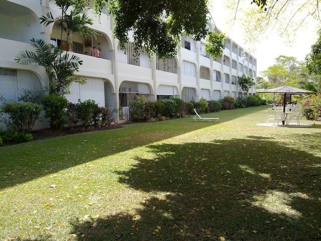 #220 Golden View,Barbados