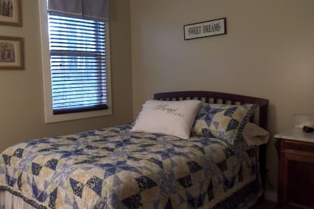 Blue Bedroom - Jacksonville - Bed & Breakfast