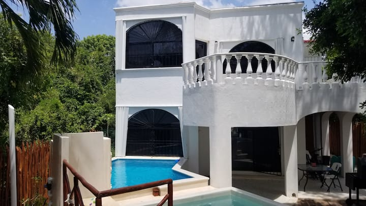 4 BDRM Home in Exclusive Playacar, Pool HotTub