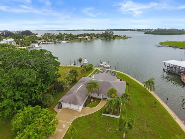 Green Dolphin- Intracoastal Front Home