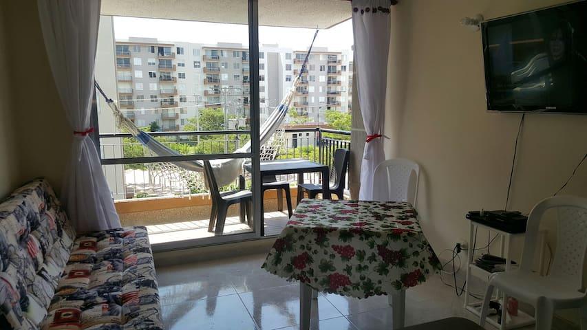 Sala comedor con vista al balcón