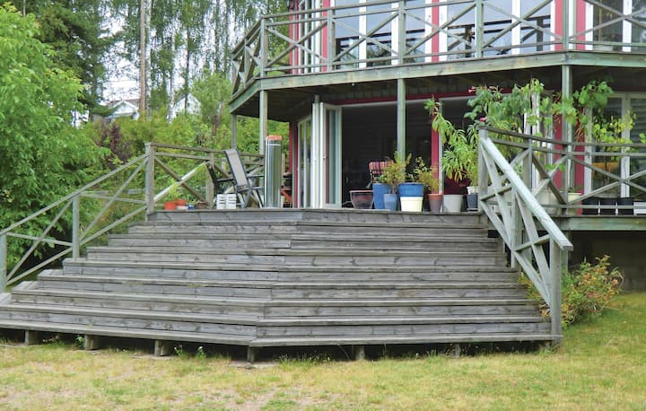 Nice home in Oskarshamn with WiFi and 1 Bedrooms