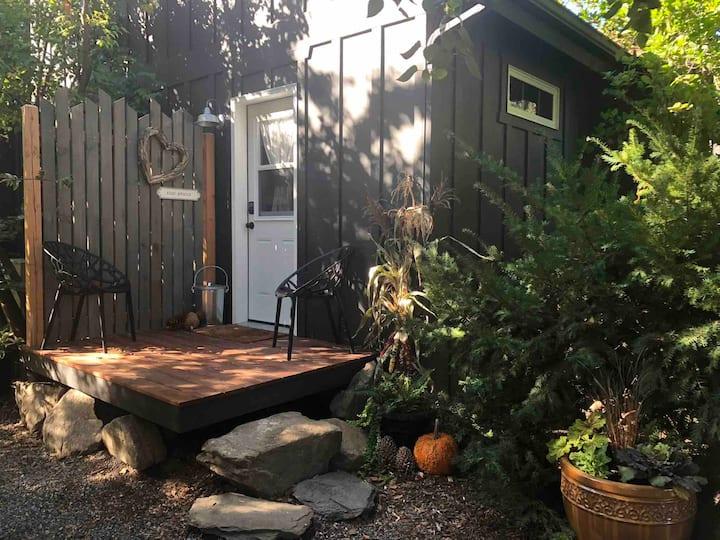 Cozy Cedar Suite