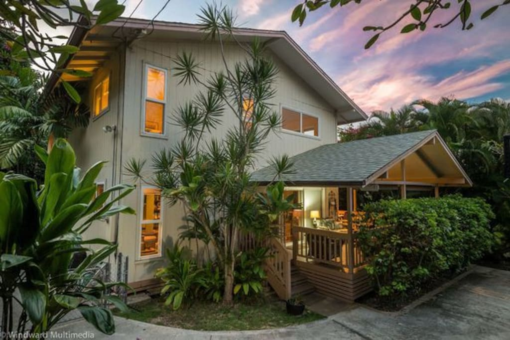 Escape to Paradise - the name says it all. 2500 sf, 400 sf lanai, large yard, one lot from the ocean, with kayaks, snorkels, etc included.
