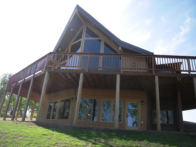Lindal Chalet at Wakaw Lake