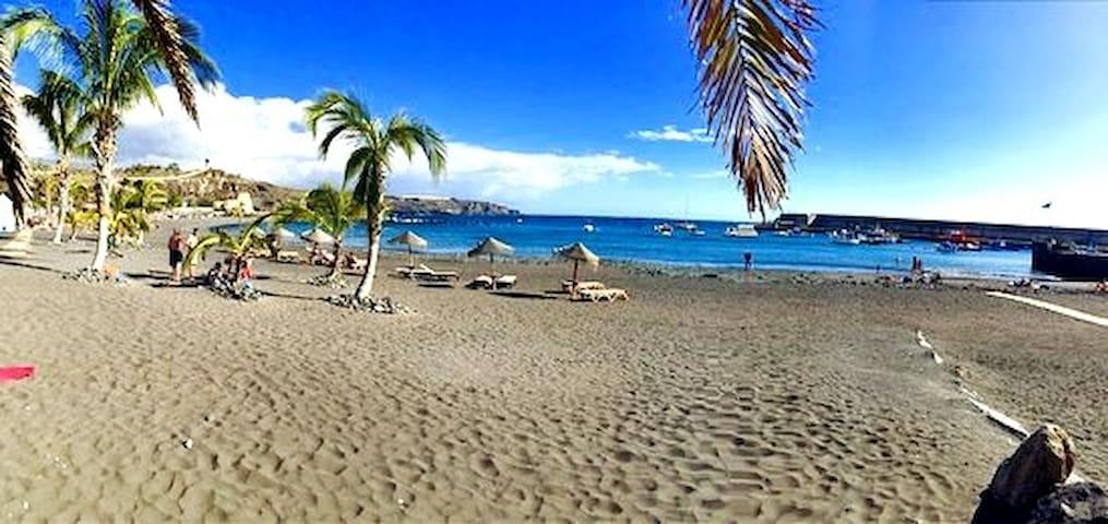 Top quality 3 bedroom apartment in Playa San Juan