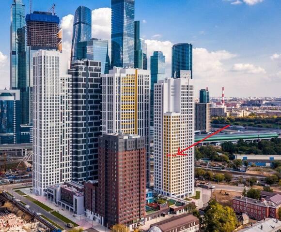 рядом Бизнес-центр Москва-Сити.