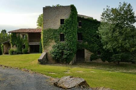 Romantic Stone Farmhouse  - Tavèrnoles - 独立屋