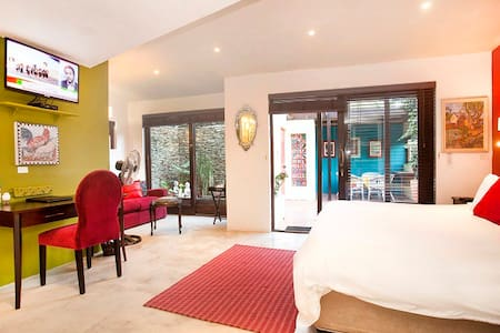 Spacious Garden Suite with Courtyard - Barrydale - Hotel butikowy